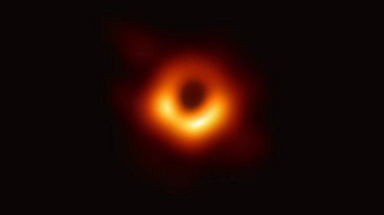 black hole m87