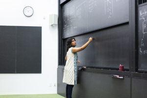 Nitica Sakharwade, doctorante à l'Institut Périmètre